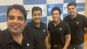 Sachin Tendulkar with officials of Unacademy