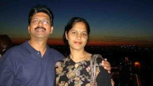 doctor couple filed case against each